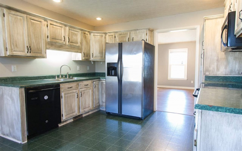370 Veterans Ave, Bowling Green, Kentucky 42104, 5 Bedrooms Bedrooms, ,2 BathroomsBathrooms,Single Family,For Sale,Veterans Ave,20191313