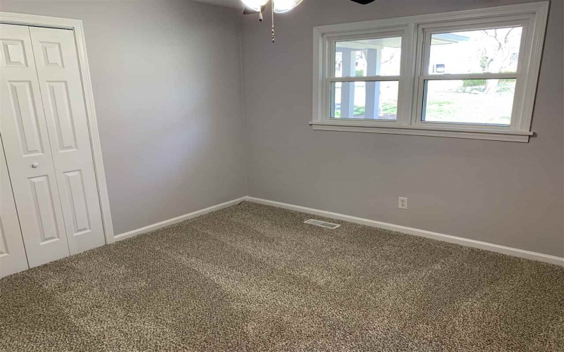 290 Hickory Lane, Bowling Green, Kentucky 42101, 3 Bedrooms Bedrooms, ,2 BathroomsBathrooms,Single Family,For Sale,Hickory Lane,20191314