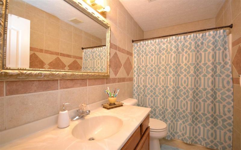 215 Moonlite Way, Bowling Green, Kentucky 42101, 4 Bedrooms Bedrooms, ,2 BathroomsBathrooms,Single Family,For Sale,Moonlite Way,20191320