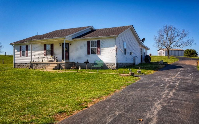 4061 Sunnyside Gott Rd, Bowling Green, Kentucky 42103, 3 Bedrooms Bedrooms, ,2 BathroomsBathrooms,Single Family,For Sale,Sunnyside Gott Rd,20191366