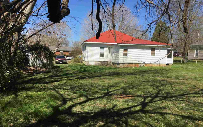 641 7th Street, Russellville, Kentucky 42276, 2 Bedrooms Bedrooms, ,1 BathroomBathrooms,Single Family,For Sale,7th Street,20191375