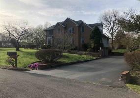 1726 Azalea Court, Bowling Green, Kentucky 42103, 4 Bedrooms Bedrooms, ,2 BathroomsBathrooms,Single Family,For Sale,Azalea Court,20191406