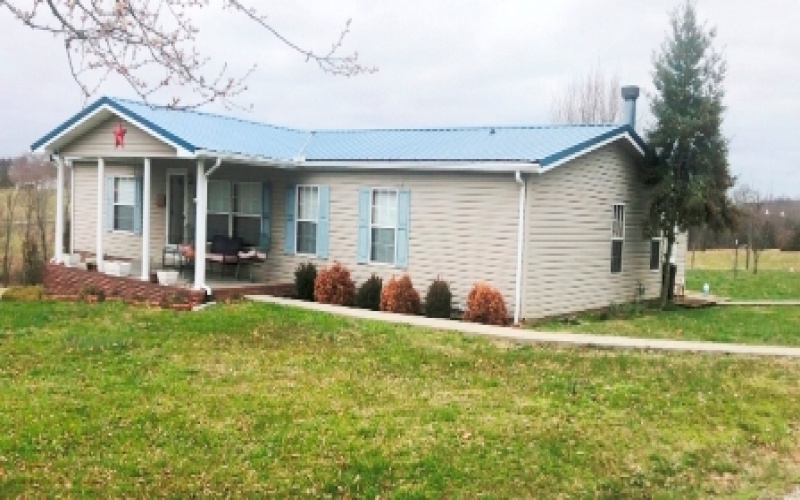 136 Bristletown Rd, Glasgow, Kentucky 42141, 3 Bedrooms Bedrooms, ,2 BathroomsBathrooms,Real estate and personal property,Auction,Bristletown,20191424