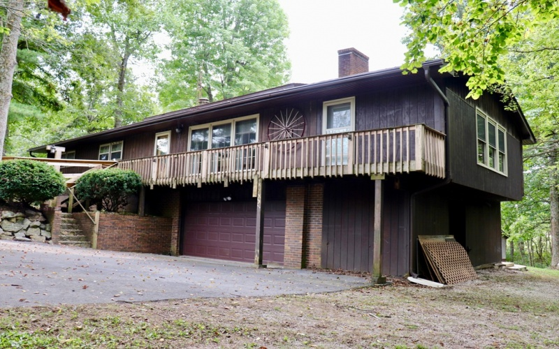 118 Wilderness Trl, Cave City, Kentucky 42127, 4 Bedrooms Bedrooms, ,3 BathroomsBathrooms,Real estate and personal property,Auction,Wilderness,20191429