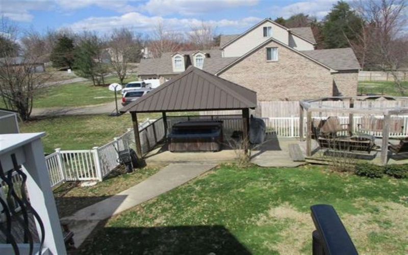 2501 Chatsworth, Elizabethtown, Kentucky 42701, 5 Bedrooms Bedrooms, ,3 BathroomsBathrooms,Single Family,For Sale,Chatsworth,20191205