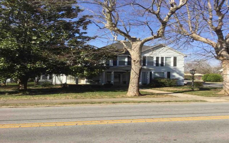 411 Cedar St, Franklin, Kentucky 42134, 4 Bedrooms Bedrooms, ,3 BathroomsBathrooms,Single Family,For Sale,Cedar St,20191218