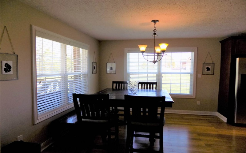 3148 Meadowview Ave, Bowling Green, Kentucky 42101, 3 Bedrooms Bedrooms, ,2 BathroomsBathrooms,Single Family,For Sale,Meadowview Ave,20191271