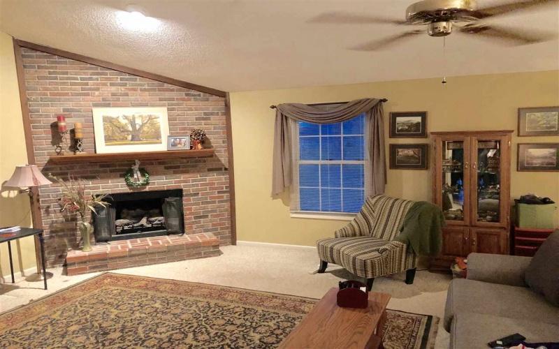 1578 Normandy Way, Bowling Green, Kentucky 42103, 3 Bedrooms Bedrooms, ,2 BathroomsBathrooms,Single Family,For Sale,Normandy Way,20191295